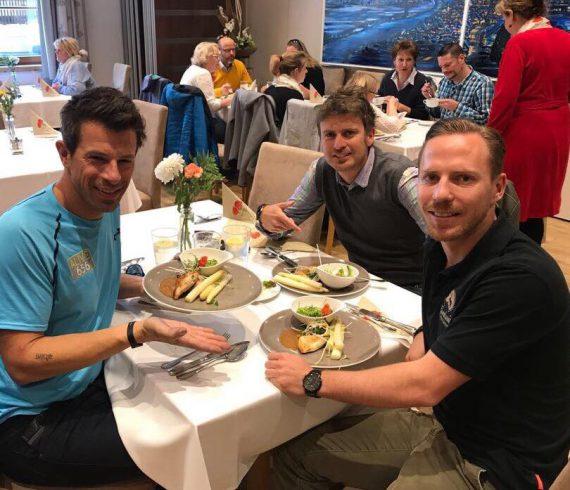 Damit das schlanke Mittagessen schnell und einfach genossen werden kann, hat Toni Klein sogar beim Gambswirt das Stoffwechsel-Menü für seine Schützlinge und alle anderen Figurbewussten eingeführt.